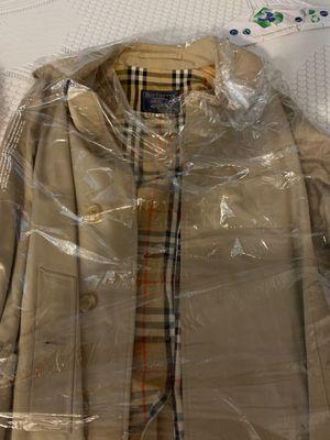 Burberry's Rain coat for Sale in Los Angeles, CA