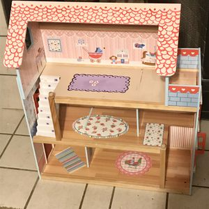 Adorable Doll House for Sale in Fort Worth, TX