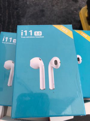 i11 headphones wireless for apple iphone for Sale in Los Angeles, CA