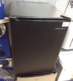 Black & Decker mini fridge for Sale in Lake Forest Park, WA