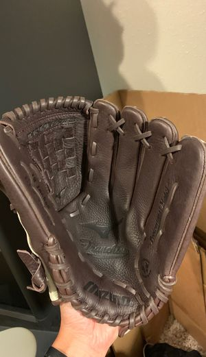 "NEVER USED Franchise Baseball Glove 12"" for Sale in Auburn, WA"