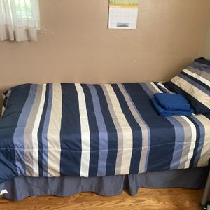 Twin Bed Set for Sale in Clinton, PA