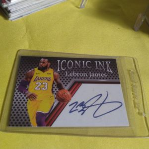 Lebron James Auto Autograph NBA Basketball Card RARE! for Sale in Houston, TX