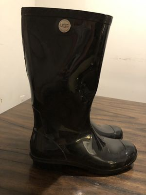 UGG rain boots (size 10) for Sale in North Potomac, MD
