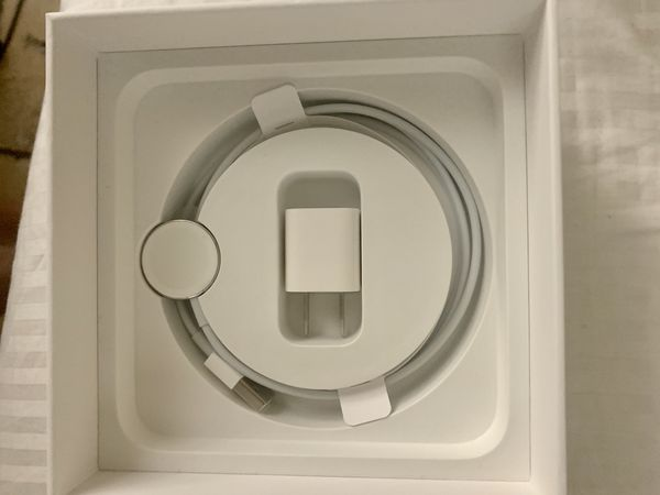 Apple Watch Series 5 - 42mm (GPS AND CELLULAR)