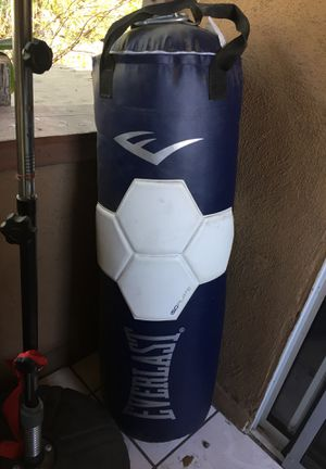 Boxing bag for Sale in Los Angeles, CA