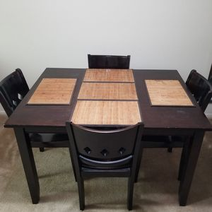 MUST GO! Four Person Dining Set for Sale in Long Beach, CA