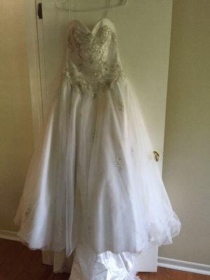 Wedding dress/ petite- size 6-8 for Sale in Seminole, FL