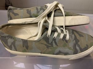 American Eagle Military Camouflage Sneakers! Vans Style Shoes Women's 9 Like New for Sale in Canyon Country, CA
