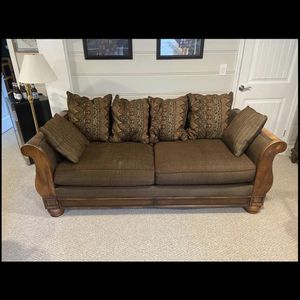 Beautiful Mahogany Couch Free Delivery To Your Home! for Sale in Long Branch, NJ