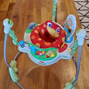 FREE : Fisher-Price Rainforest Jumperoo Bouncer for Sale in Jersey City, NJ