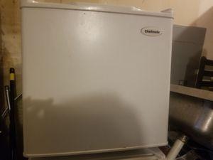 Small refrigerator for Sale in Renton, WA