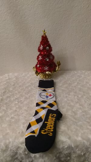 NEW TEAM STEELERS SOCKS ONE SIZE FITS MOST RETAIL IS $14.99+TAX IM ASKING ‼️**$5 FIRM**‼️ for Sale in Phoenix, AZ