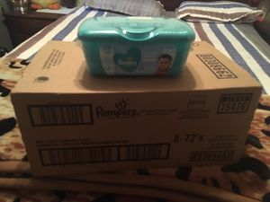 Pamper wipes take box 📦 $20 for Sale in Paramount, CA