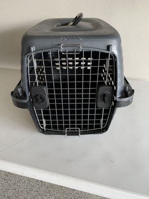"""24"""" Petmate Dog Crate for Sale in Dripping Springs, TX"""