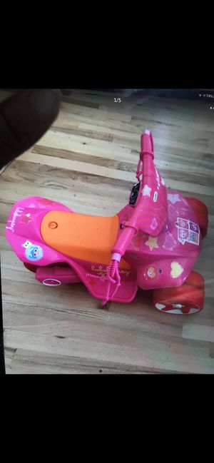 Kids electric pink ride on toy for Sale in Smithtown, NY