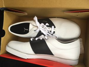 Pumas size 13 brand new for Sale in Detroit, MI
