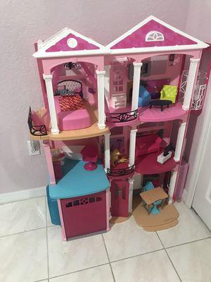 Barbie Dream house 4 feet tall $130 (originally $196 + tax) for Sale in Hialeah, FL