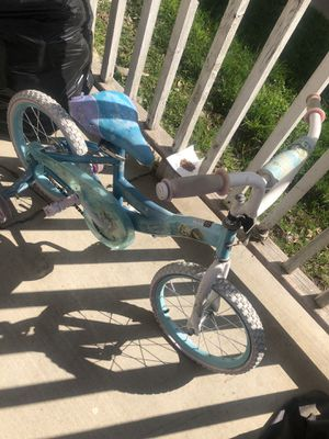 Girls bike with training wheels free just pick up for Sale in Ontario, CA
