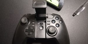Tronsmart Wireless bluetooth game controller for Sale in Fort Wayne, IN