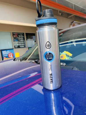 Takeya 24oz water bottle In Great Condition Water flask for Sale in Pasadena, CA