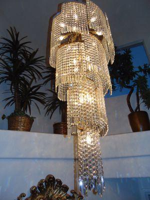 5 ft spiraled crystal chandelier for Sale in Las Vegas, NV