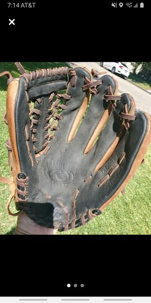 "Baseball glove , youth 12"" for Sale in Grand Terrace, CA"