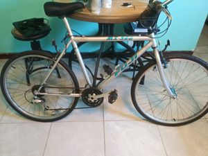 23 speed mountain bike for Sale in Grant-Valkaria, FL