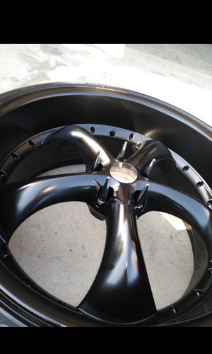22 inch staggered rims with pirelli tires for Sale in Los Angeles, CA