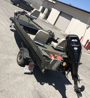 LOWE Roughneck w/ Mercury 40 for Sale in Covina, CA