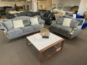 Sofa and loveseat modern comes in 3 different colors for Sale in Irving, TX