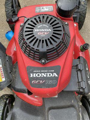 Máquina de cortar grama . Motor honda GCV160 for Sale in Glen Burnie, MD