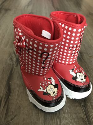 Disney Minnie Mouse snow boots kids size 5-6 for Sale in Glendora, CA