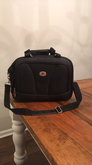 Swiss Alps computer messenger bag. New/never used! for Sale in Benton, KY