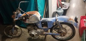 Vintage Suzuki Motorcycle S32 - 2 Twin Cylinder and Carburetor 150cc for Sale in Arcadia, CA