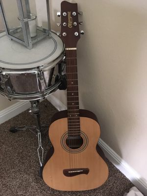 Olympia op-2 acoustic 3/4 size guitar for Sale in Clovis, CA