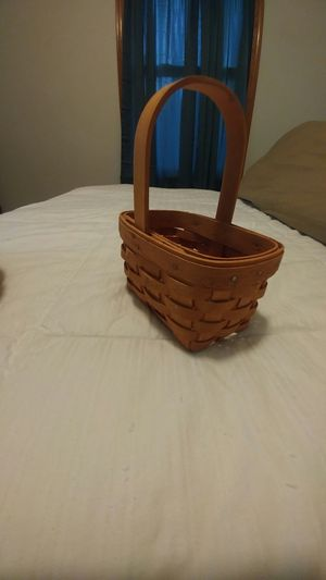 Longaberger basket for Sale in Des Moines, IA
