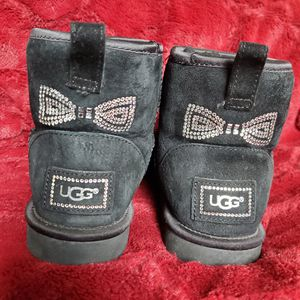 100% authentic Ugg mini boots for Sale in Milwaukee, WI