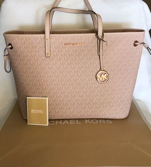 NEW AUTHENTIC Michael Kors Jet Set Travel Monogram Drawstring Tote for Sale in Upland, CA