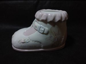 Precious Moments Shoe Bank for Sale in Taylor, MI