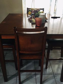 Table Set for Sale in Irwindale,  CA