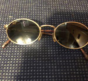 Vintage Maui Jim Sunglasses for Sale in Ridgefield, CT
