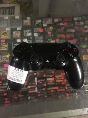 Sony PS4 game controller - dual shock 4 for Sale in New Britain, CT