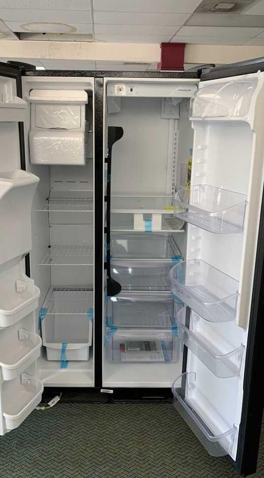Brand New Frigidaire!! Refrigerator side by side with warranty 5Y8L