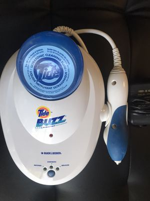 Tide buzz stain / spot remover by Black & Decker - includes power cord and cleaner solution - ultrasonic spot removing tool for Sale in Kenosha, WI
