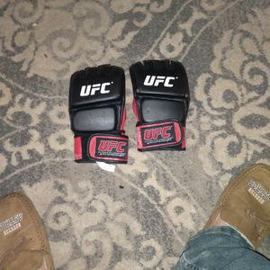 Ufc Mma Gloves for Sale in Spring, TX