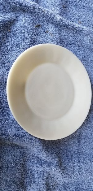 17 fireking white plates vintage for Sale in Hutchinson, KS