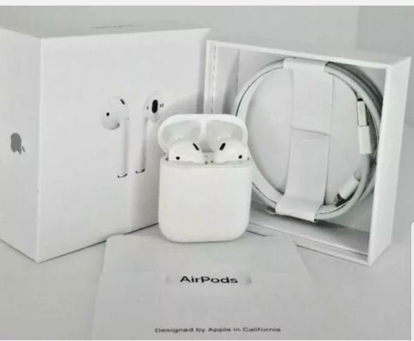 Apple AirPods 2nd Generation with Charging Case - White.Refurbished