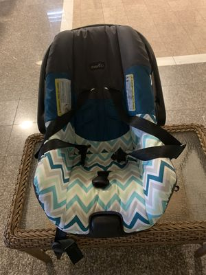 Infant car seat for Sale in Delano, CA