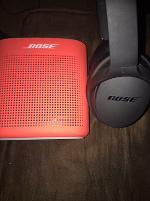 Bose bang so hard Bluetooth speaker and Bluetooth 🎧 for Sale in Philadelphia, PA